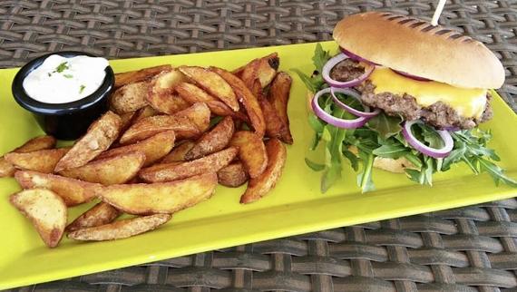 Der Angus Beef Burger